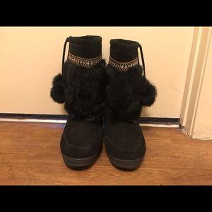 Black Minnetonka Eskimo Style Boots
